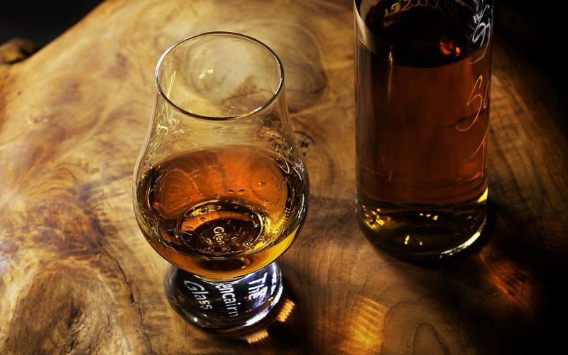 whisky in een glas